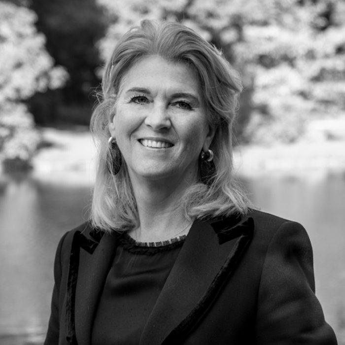 Mr. Anita S.C. van Straaten